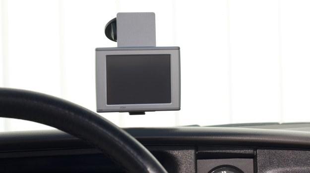 Z nawigacji nie można korzystać w sposób bezkrytyczny. Nawet błędne wskazania nie są podstawą do anulowania mandatu za ewentualne wykroczenie drogowe. /Motor