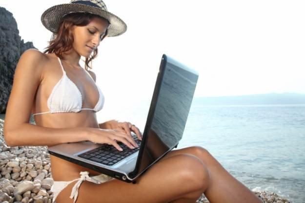 Z notebookiem na wakacjach trzeba uważać /materiały prasowe