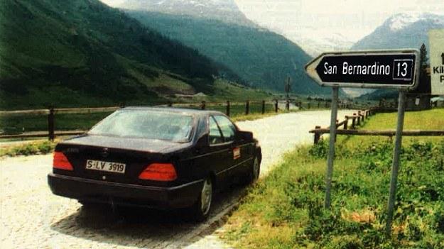 """Z """"odcinka specjalnego"""" przy San Barnrdino Mercedes klasy S w wersji Coupe wyszedł obronną ręką - co świadczy o tym, że nie jest on tylko luksusowym kolosem. /Motor"""