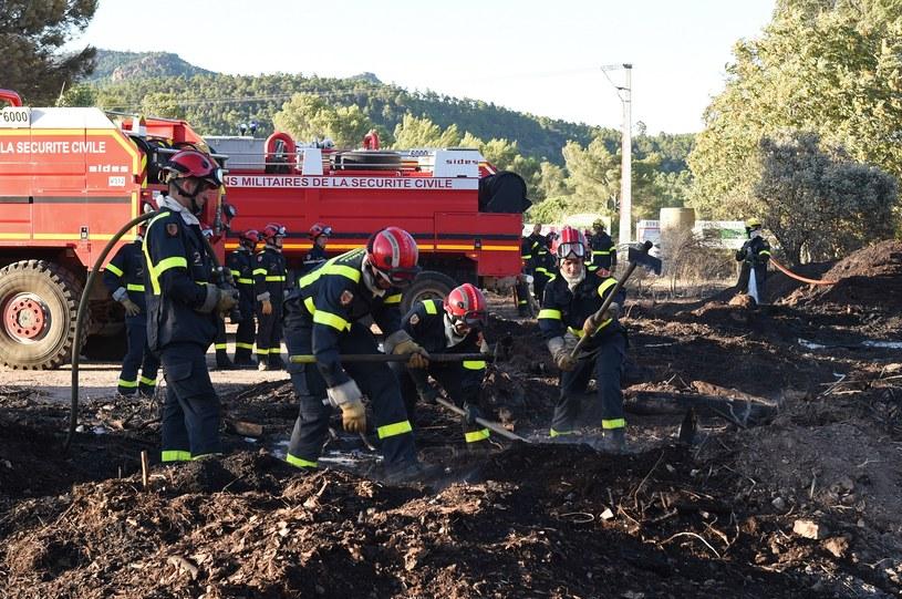 Z ogniem walczyło 216 strażaków /AFP