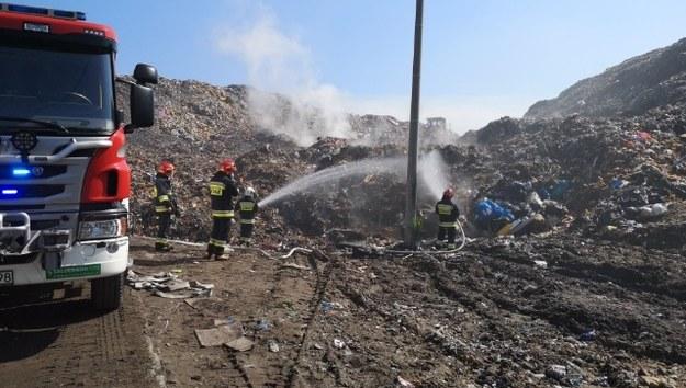 Z ogniem walczyło kilka zastępów straży. /Gorąca Linia RMF FM /Gorąca Linia RMF FM