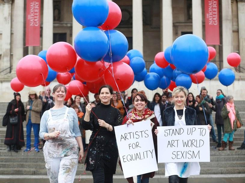 Z okazji Międzynarodowego Dnia Kobiet w wielu miejscach na świecie mają miejsce manifestacje kobiet, na zdjęciu Londyn /AFP PHOTO / NOAH SEELAM /East News