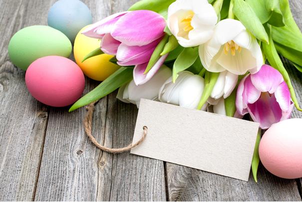 """Z okazji Wielkanocy, warto kupić drobny """"prezent od zajączka"""" /123RF/PICSEL"""