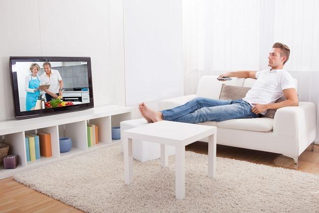 Z opłatą abonamentu radiowo-telewizyjnego zalega blisko trzy miliony gospodarstw domowych /©123RF/PICSEL
