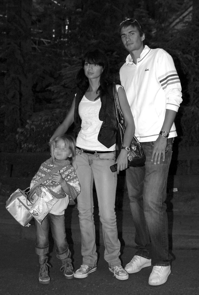 Z partnerem i córką /MWMedia