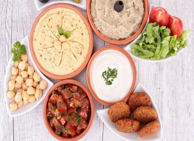 Z pasty tahini przygotujesz pyszne orientalne dania /materiały prasowe