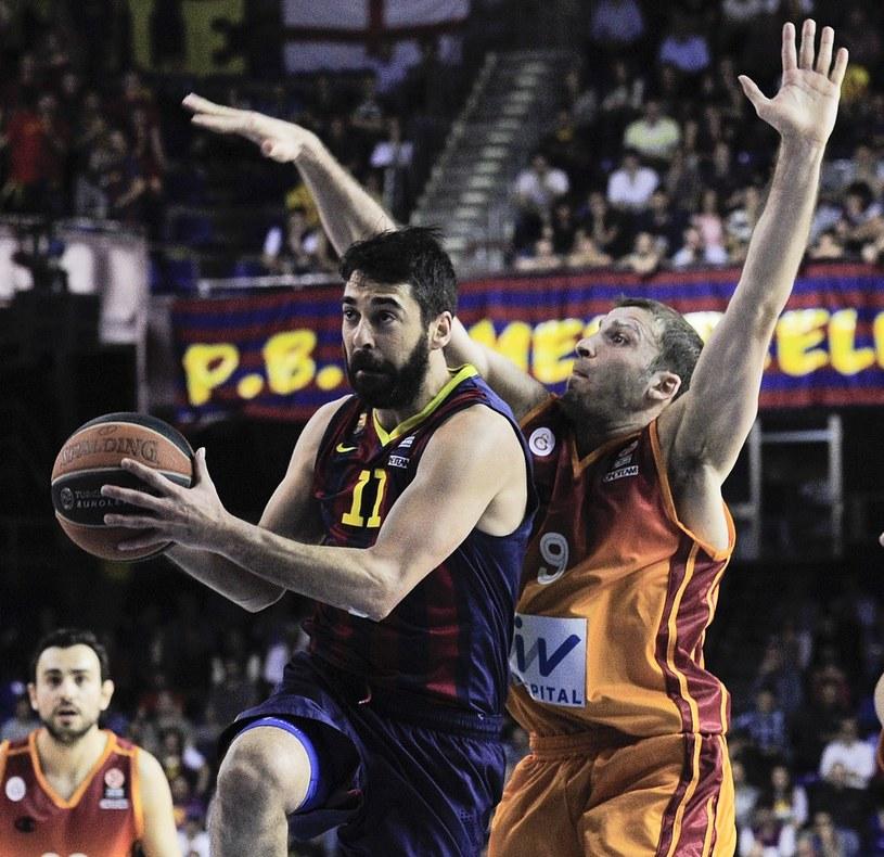 Z piłką Juan Carlos Navarro z Barcelony /AFP