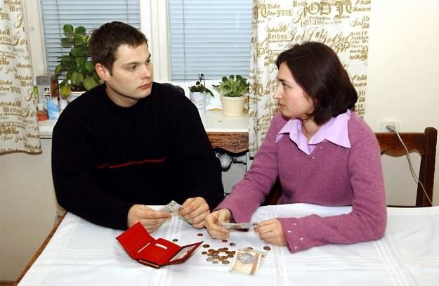 Z podatkowych rozwiązań w planach jest likwidacja wspólnego rozliczania małżonków /© Bauer