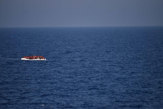 Z pontonu zabrano 146 migrantów (zdjęcie ilustracyjne) /AFP