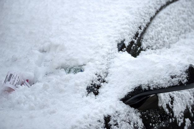 Z powodu intensywnych opadów śniegu w stanie Georgia ogłoszono stan wyjątkowy fot. Brendan Smialowski /AFP