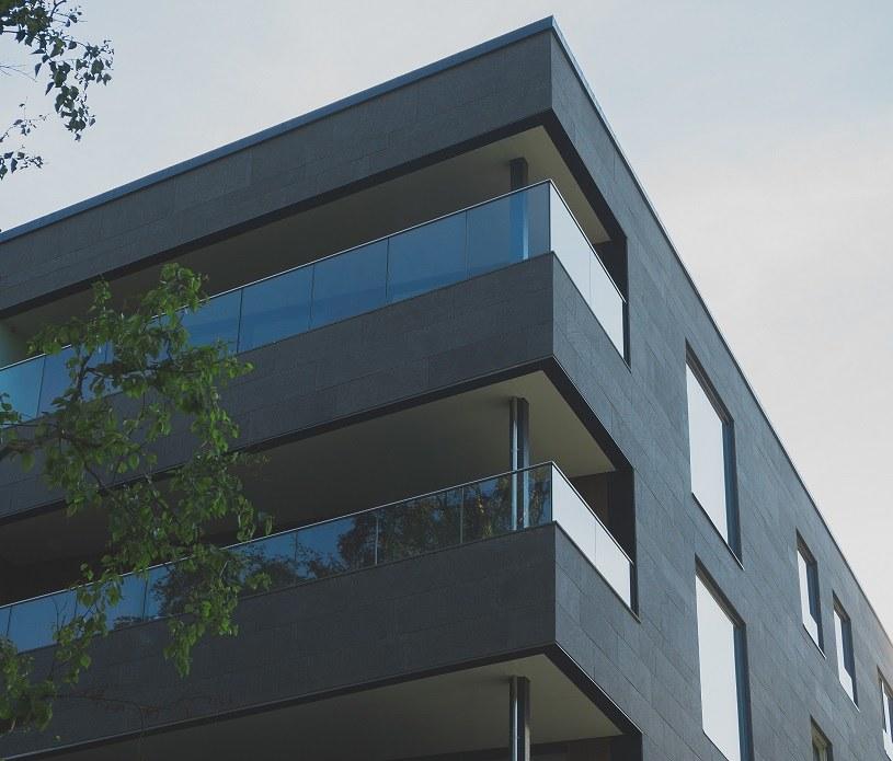Z powodu recesji wywołanej przez pandemię koronawirusa część Polaków odłoży decyzję o zakupie mieszkania /123RF/PICSEL