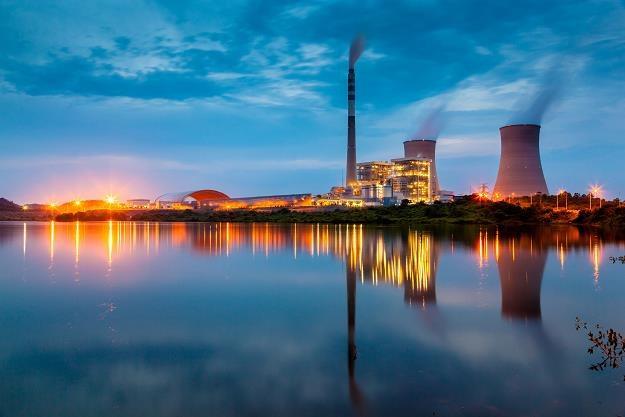 Z powodu upału możliwe są problemy w elektrowniach! /©123RF/PICSEL