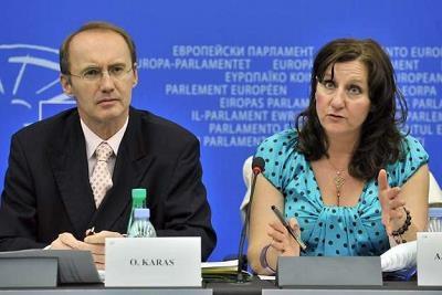 Z prawej Arlene McCarthy /AFP