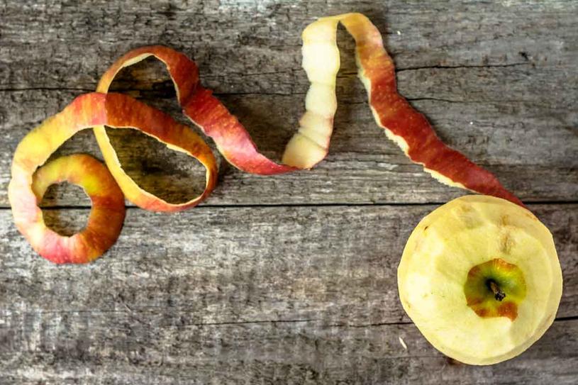 Z resztek jabłek zrób ocet /123RF/PICSEL