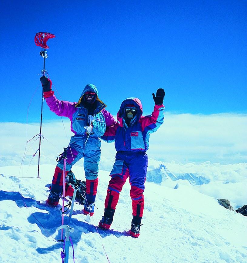 Z Ryszardem Pawłowskim (z lewej) na szczycie K2. Był 14 lipca 1996 roku /materiały prasowe