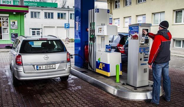 Z samej sprzedaży paliw nie da się przeżyć / Fot: Andrzej Stawiński /Reporter