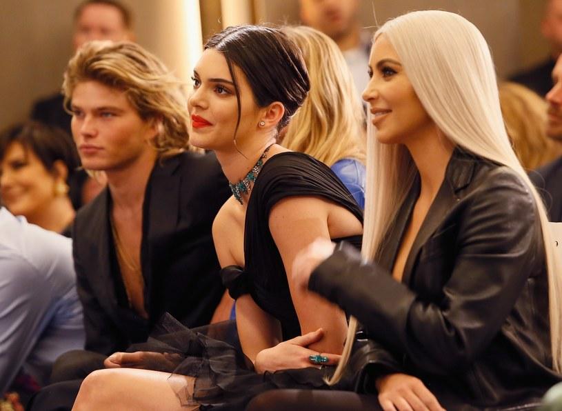 Z szacunków Forbes wynika, że Kendall Jenner w ciągu roku zarobiła 22 mln dolarów /East News