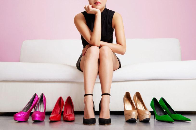 Z takimi butami lepiej się pożegnać /123RF/PICSEL