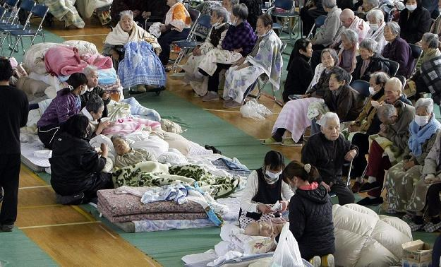 Z terenów otaczających elektrownie Fukushima I oraz II ewakuowano ok. 200 tys. mieszkańców /AFP