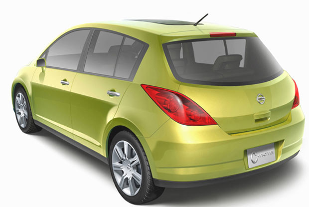 Z tyłu prototyp Almery przypomina Peugeota 307 / kliknij /INTERIA.PL