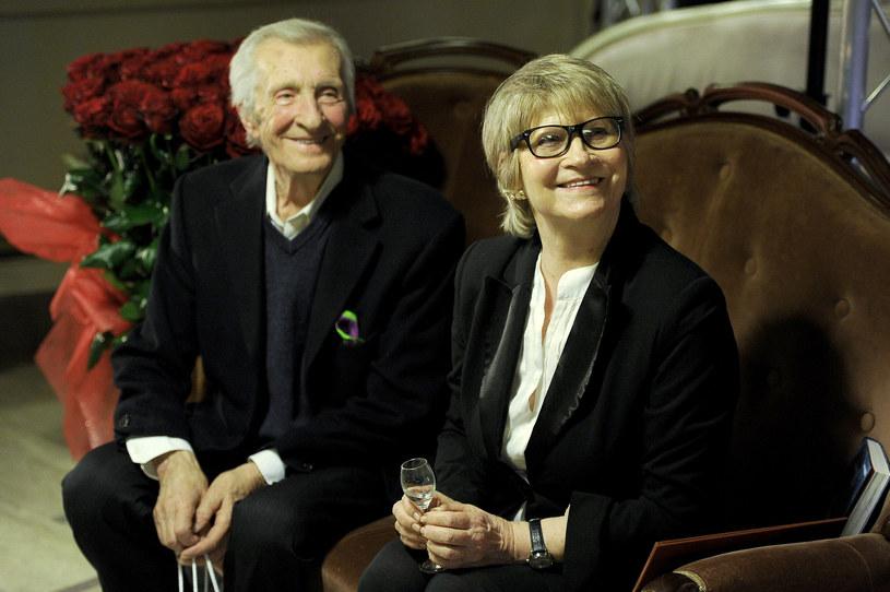 Z ukochaną żoną Moniką Dzienisiewicz-Olbrychską tak świętował swoje 80. urodziny /Mieszko Pietka /AKPA