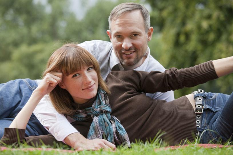 Z wypracowywaniem kontraktu partnerskiego nie trzeba wcale czekać do groźby rozwodu. Może zrobić to każda para, niezależnie od stażu /© Panthermedia