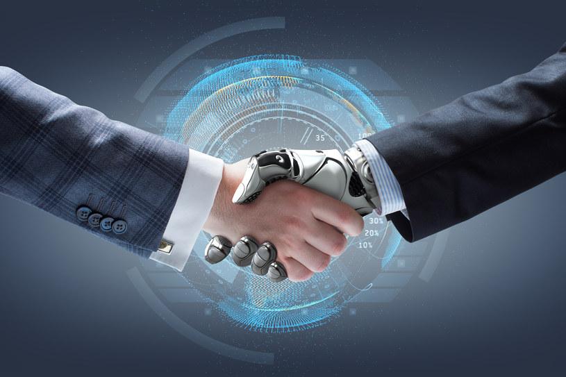 Za 10 lat rozmowy kwalifikacyjne będą przeprowadzane przez roboty? /123RF/PICSEL