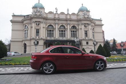Za auto, które testujemy, można by kupić cztery ceed'y... /INTERIA.PL