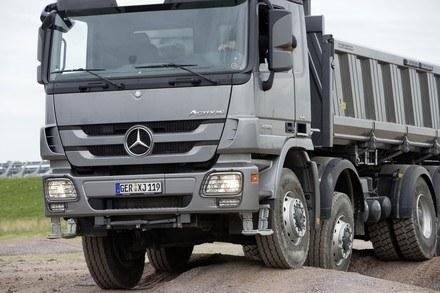 Za ciężarówki w rezerwie nie trzeba płacić podatku /