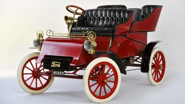 Za egzemplarz Modelu A z 1903 roku Ford zapłacił 264 tys. dolarów. /Ford