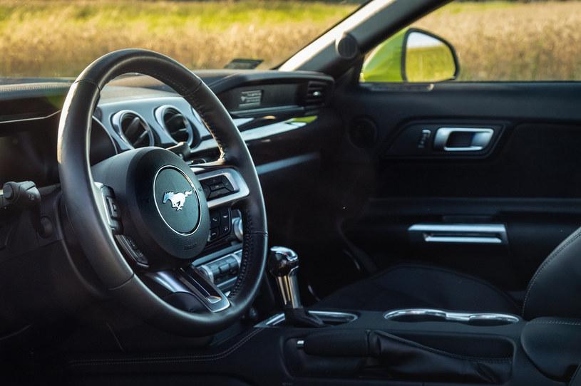 Za kierownicą trzeba uważać. Mustang GT to narowisty rumak! / Fot. Instagram: @wujekbaca /INTERIA.PL