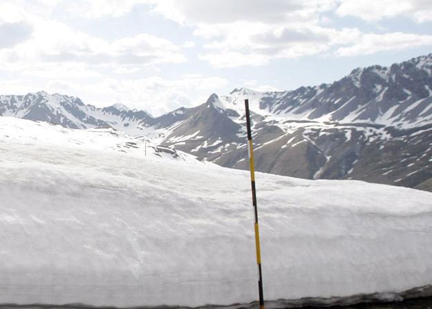 Za kilka dekad krajobraz Alp będzie przypominał całkowicie pozbawione lodowców Pireneje i Apeniny? /AFP