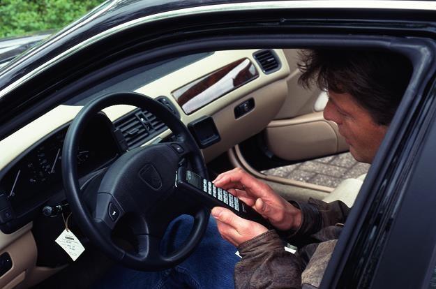 Za korzystanie z samochodu firmowego do celów prywatnych pracownik zapłaci podatek /© Bauer