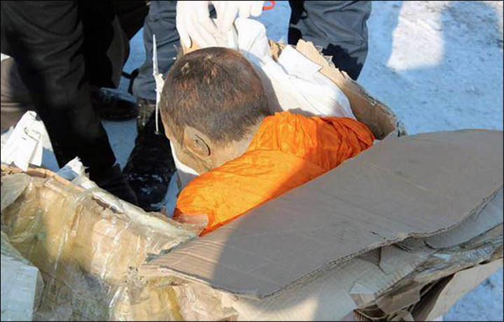 Za kradzież zmumifikowanego mnicha złodziejowi grozi od 5 do 12 lat więzienia i wysoka grzywna /materiały prasowe