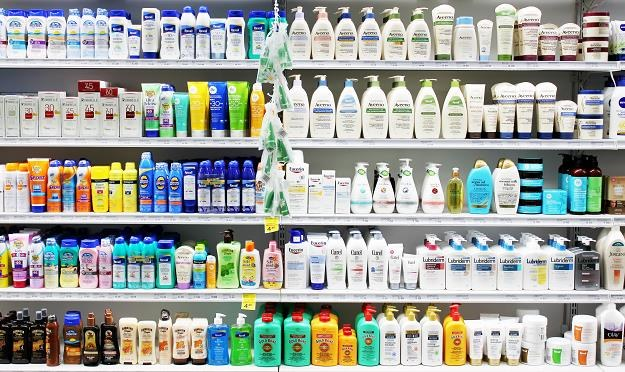 Za niektóre kosmetyki i detergenty polscy konsumenci płacą więcej niż Niemcy /©123RF/PICSEL