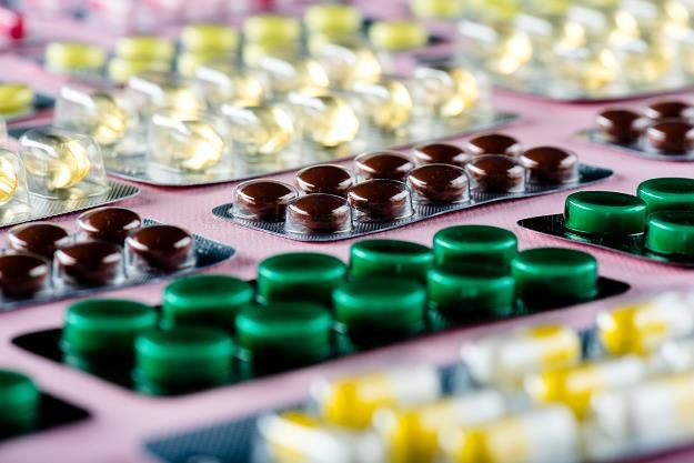 Za nielegalny wywóz medykamentów państwo może nakładać sankcje finansowe /©123RF/PICSEL