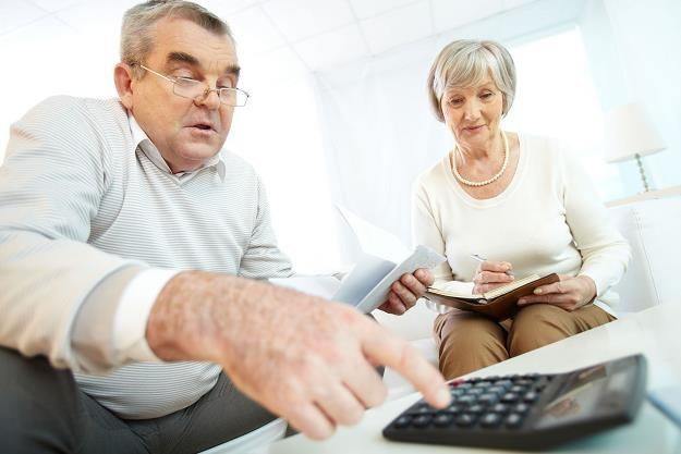 Za obniżenie wieku emerytalnego wszyscy zapłacimy wysoką cenę /©123RF/PICSEL