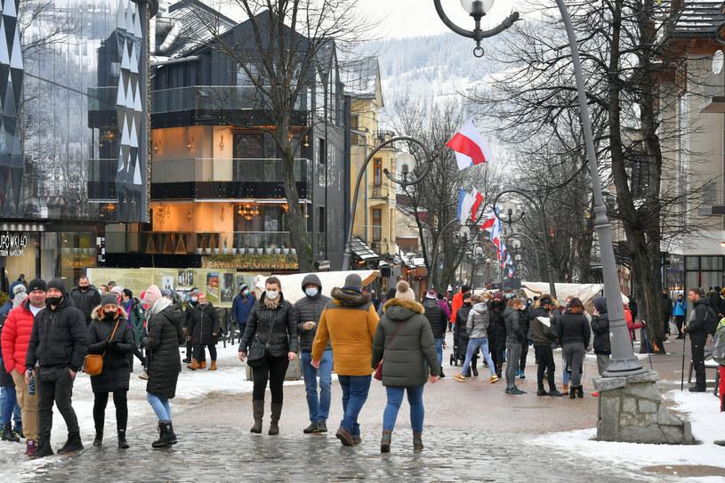 """Za """"odmrożone"""" hotele Polacy płacili bonami /Paweł Murzyn  /East News"""