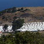 Za pięć dni zakończy się budowa nowego obozu na Lesbos. Część migrantów odmawia rejestracji