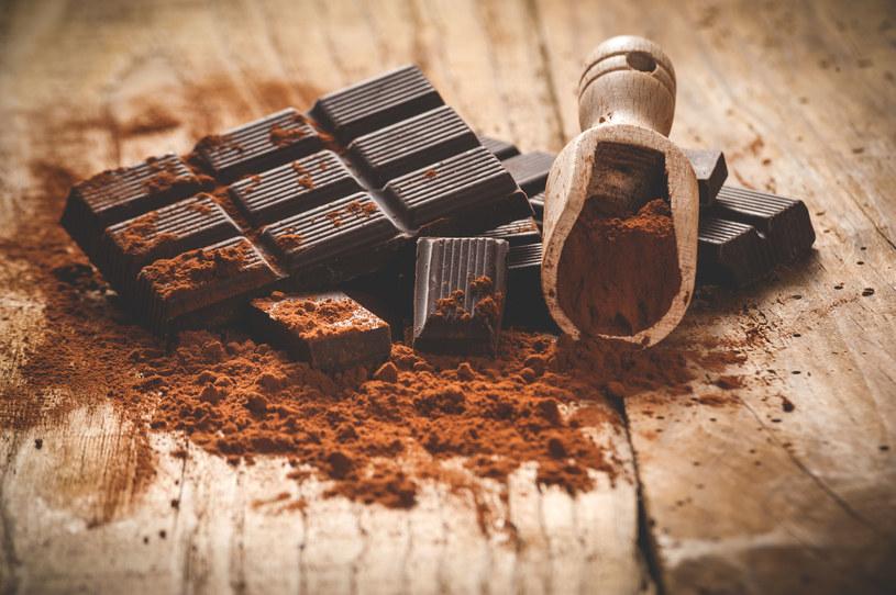 Za pragnieniem czekoladowego przysmaku stoi najczęściej niedobór magnezu /123RF/PICSEL