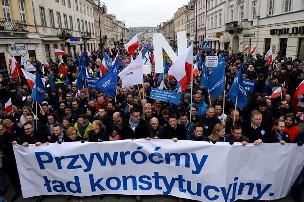 Za przywróceniem ładu konstytucyjnego zaburzonego przez rządy PiS jest nie tylko Polska Rada Biznesu /PAP