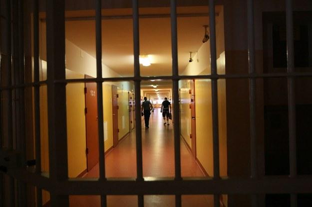 Za publikowanie reklam OFE miałoby grozić do dwóch lat więzienia. /Lech Muszyński /PAP