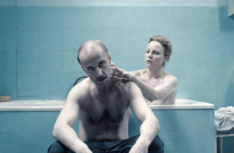 """Za rolę w filmie """"Zjednoczone stany miłości"""" Simlat otrzymał w 2016 roku na Festiwalu Filmowym w Gdyni nagrodę dla najlepszego aktora drugoplanowego. /materiały dystrybutora"""