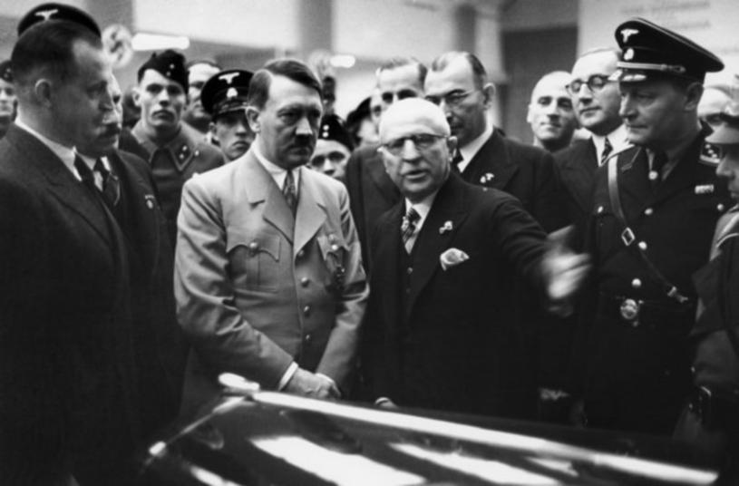 Za rządów Hitlera Niemcy pompowały wielkie pieniądze w rozwój przemysłu. Rozwój ekonomiczny był jednym z tematów rozmowy /East News