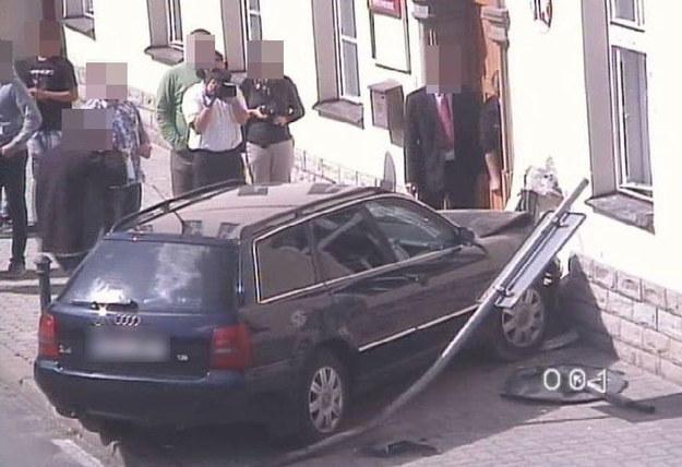 Za spowodowanie realnego zagrożenia bezpieczeństwa w ruchu drogowym młody kierowca został ukarany grzywną /Policja /Policja