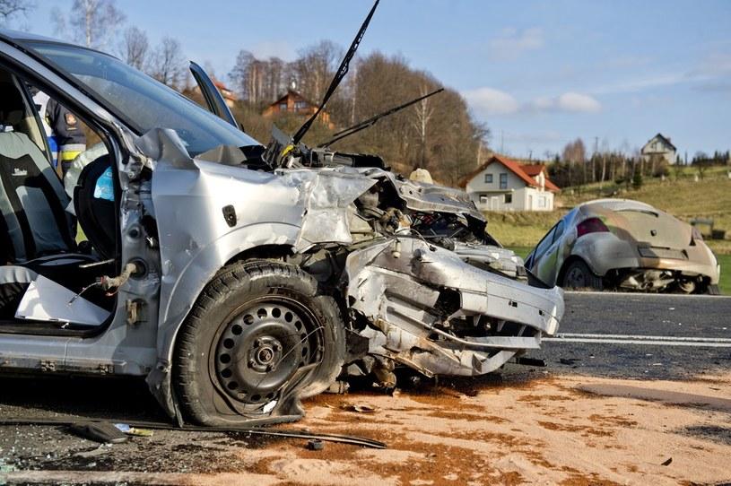 Za spowodowanie wypadku bez OC można płacić do końca życia /Piotr Tracz /Reporter