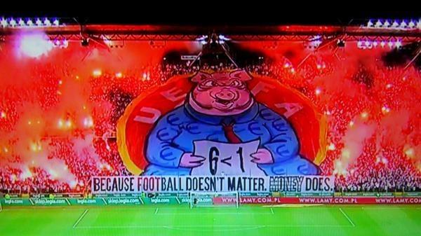 Za ten pokaz rac Legia słono zapłaci. /AFP