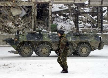 Zaangażowanie na Kaukazie też nie przysparza rosyjskiemu wojsku chętnych do służby poborowych /AFP