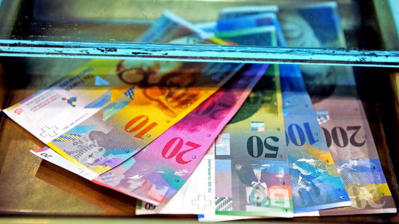 Zaangażowanie NBP w proces przewalutowania kredytów jest możliwe po spełnieniu warunków /Jan Bielecki /East News