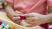 Zabawa a praca w Montessori